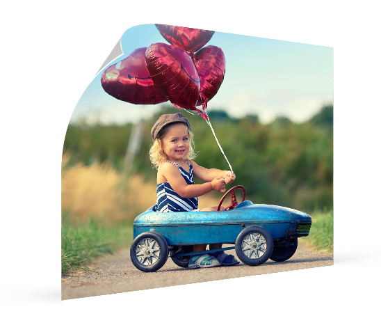 landing poster_esempio bambina palloncini cuore